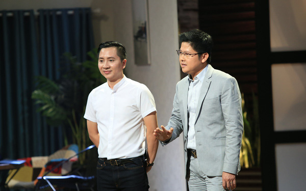 Lần đầu tiên trong lịch sử Shark Tank Việt Nam: Cá mập lên gọi vốn hộ startup, 3 Shark còn lại không ngần ngại rót mỗi người 2 triệu USD