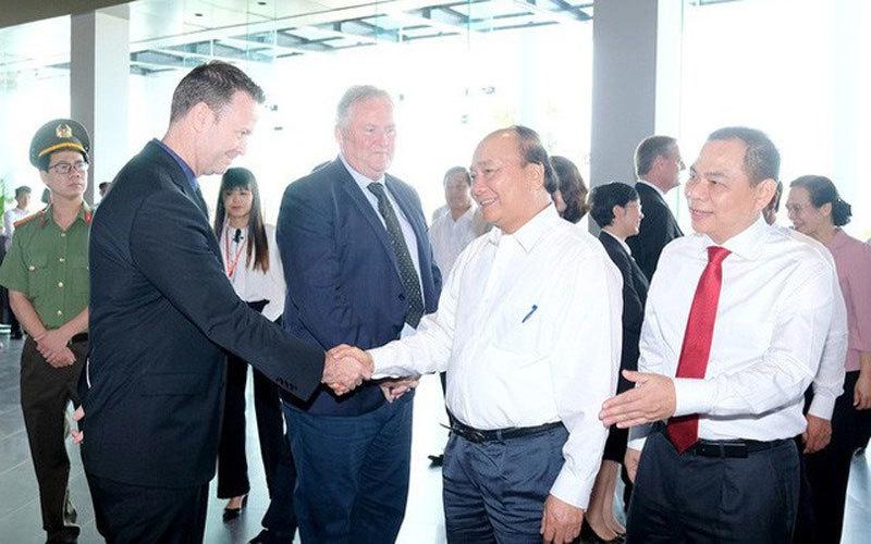 Góc chơi lớn: Ghi sổ 10 tỷ USD, tỷ phú Phạm Nhật Vượng chính thức nắm quyền tổ chức Giải đua xe Công thức 1 (F1) tại Việt Nam