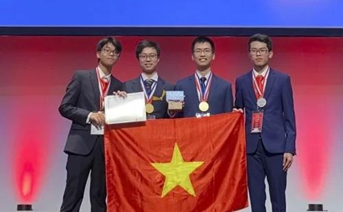 4 học sinh Việt Nam giành 4 huy chương vàng và bạc tại kỳ thi Olympic Hóa học quốc tế
