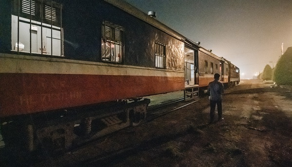 Hành trình 8 giờ trên chuyến tàu kỳ lạ nhất Việt Nam: Rời ga mà không có một hành khách nào