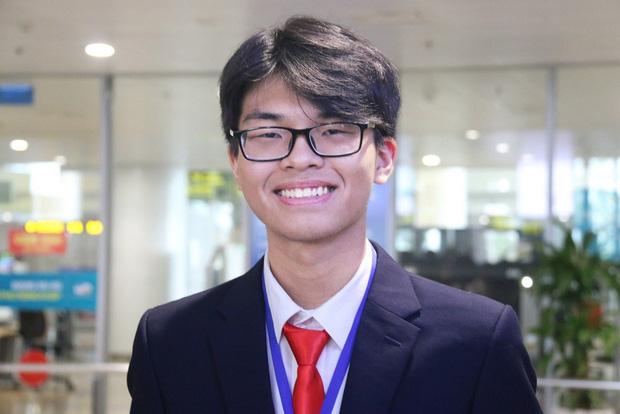 Nam sinh Yên Bái đầu tiên có huy chương Olympic Hóa học quốc tế nộp hồ sơ vào ngành Y đa khoa