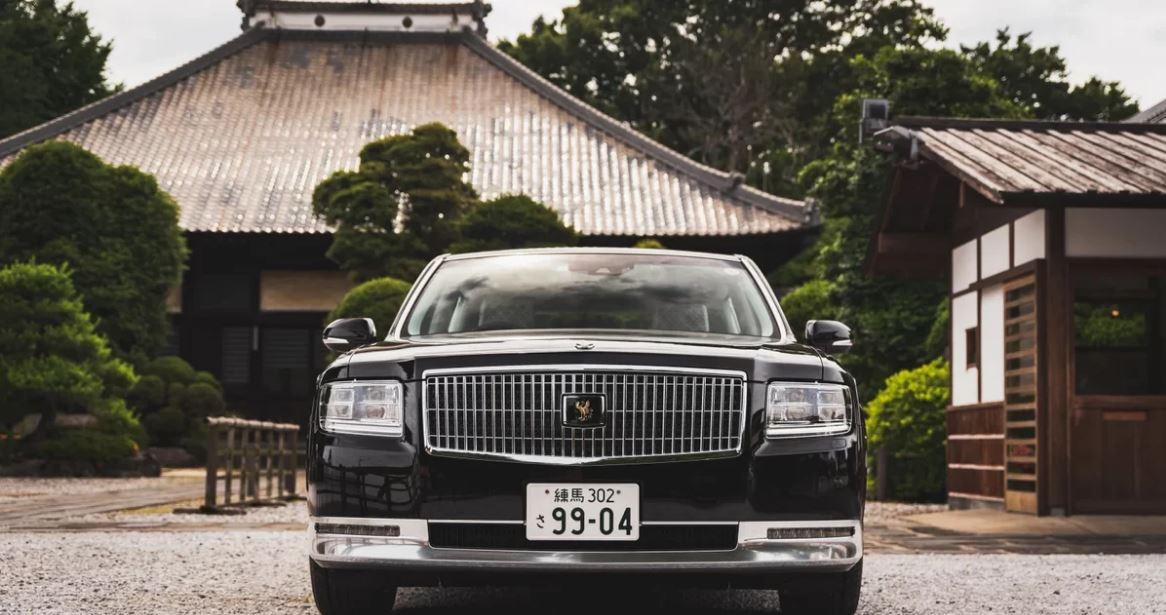 """Toyota Century - Dòng xe hạng sang """"độc hành"""" tìm đối thủ"""
