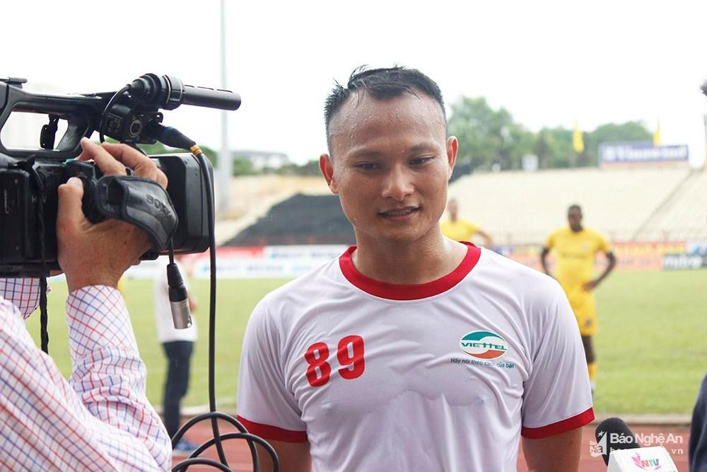 """Tuyển thủ Nguyễn Trọng Hoàng: """"Ghi bàn vào lưới SLNA là điều rất khó"""""""