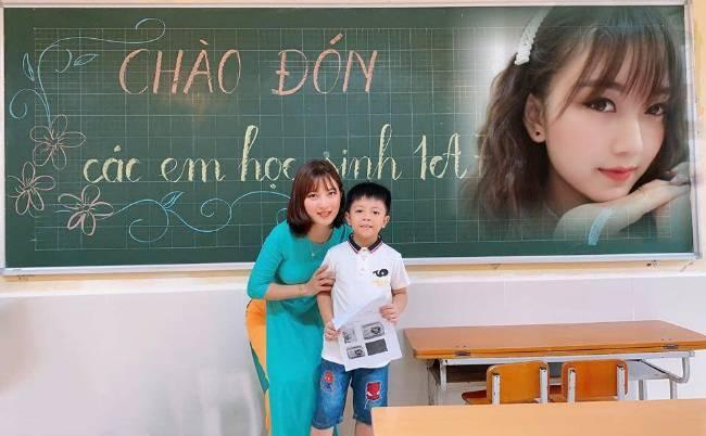 Cô giáo xinh nhất Hà Nội gây sốt trong ngày chào đón học sinh vào lớp 1