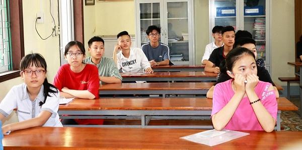 Tuyển sinh lớp 10 ở Nghệ An: Chênh lệch giữa các trường ở mức đáng báo động