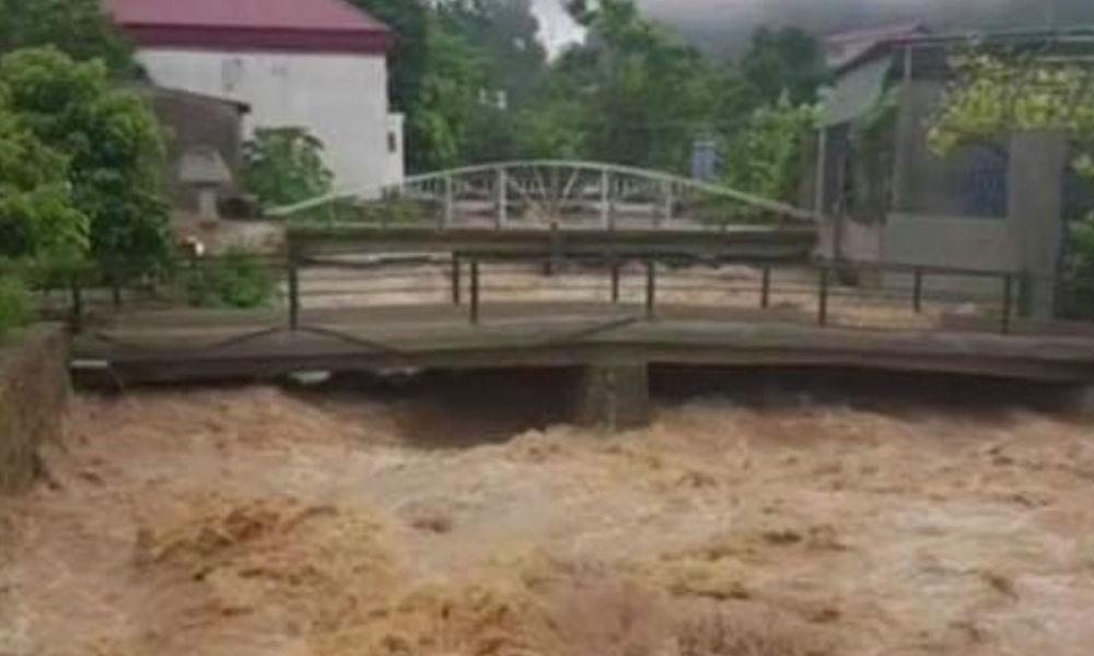 Sơn La: Nhiều tuyến đường ngập úng nghiêm trọng, người dân lo sợ sạt lở