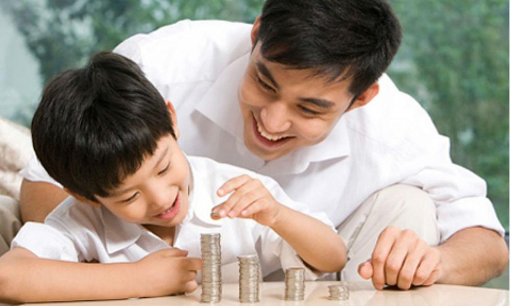 Dạy con học cách sử dụng tiền bạc từ sớm trước khi người khác dạy