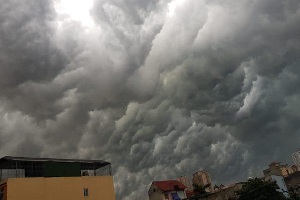 Dự báo thời tiết Nha Trang 10 ngày tới: Nhiều mây, rải rác có mưa rào, khả năng xảy ra lốc, sét và gió giật mạnh