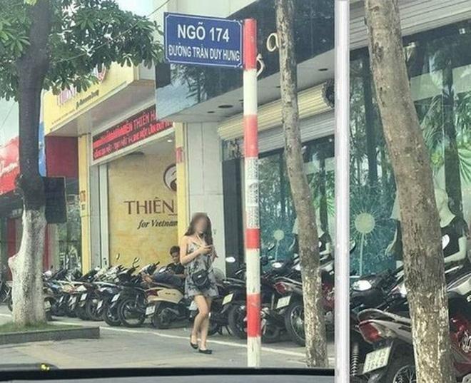 Chỉ vì một bức ảnh chụp ở Trần Duy Hưng, cô gái dở khóc dở cười vì nhận loạt tin nhắn gạ đi khách