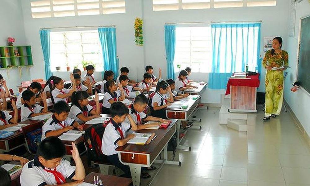 Bộ siết chặt tuyển dụng, các trường không được tự ý hợp đồng giáo viên giảng dạy từ năm 2019