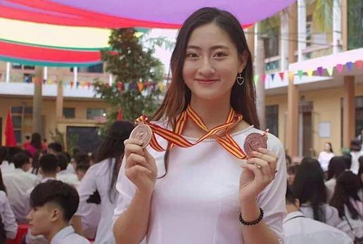 Ngỡ ngàng trước nhan sắc đời thường của tân Hoa hậu Thế giới Việt Nam 2019 Lương Thùy Linh