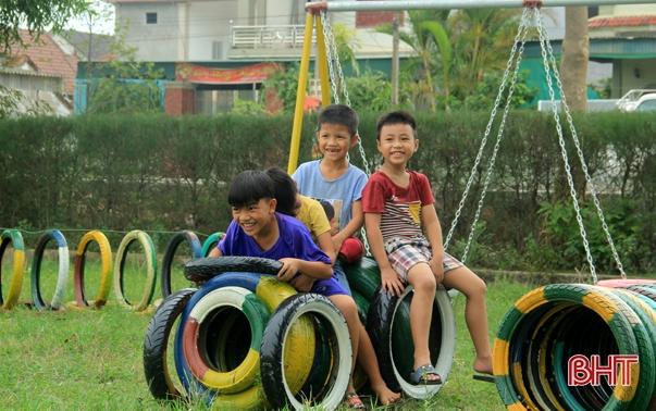 Hà Tĩnh hứng khởi sáng tạo khu vui chơi từ vật liệu tái chế cho trẻ em Xuân Liên