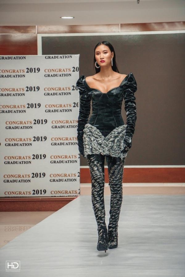 Ảnh 4: Sinh viên ngành Thiết kế thời trang - We25.vn