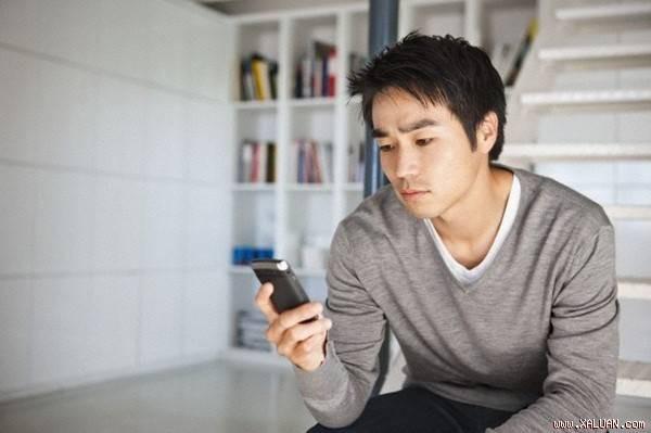 """Biết tin vợ mang thai, chồng vội vàng soạn dòng tin nhắn gửi toàn danh bạ, nhưng đến lúc nhận được tin nhắn hồi âm anh """"chết lặng"""""""