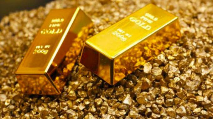 Phá kỷ lục, giá vàng liên tục tăng vọt khiến thị trường vàng nhộn nhịp