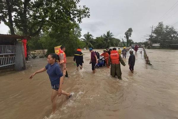 """Phú Quốc: Đảo ngọc biến thành... """"đảo ngập"""" sau bão số 3"""