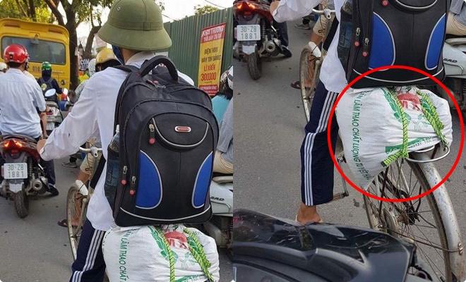 Hiện thực cuộc sống sinh viên xa nhà qua bức ảnh nam sinh trên chiếc xe đạp cũ chở bao tải đồ lên thành phố học