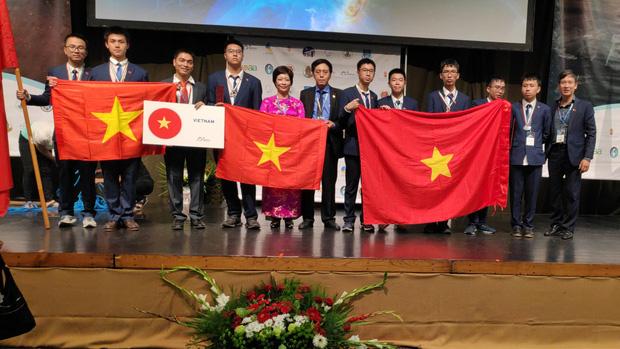 Việt Nam đạt huy chương vàng Olympic Quốc tế Thiên văn học và Vật lý thiên văn 2019