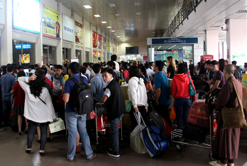 Ảnh 2: Nữ sinh biến mất ở sân bay - We25.vn
