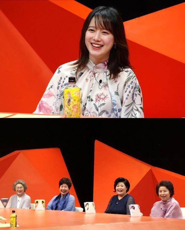 Cú lừa: Mới 2 ngày trước, Goo Hye Sun còn kể nụ hôn đầu ngọt ngào với chồng trẻ, nay đã ly hôn?