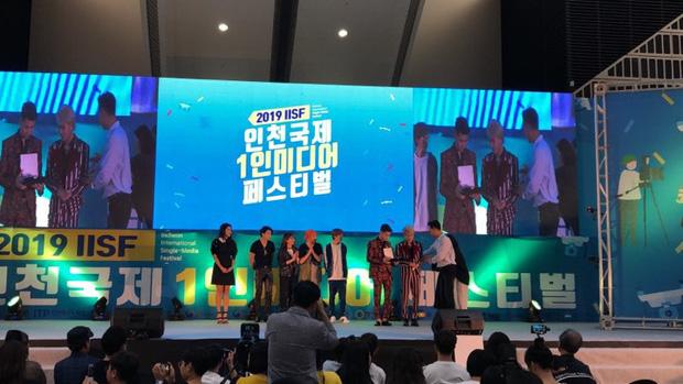 Vừa khoe là đại diện Việt Nam nhận cup tại Hàn Quốc,  Jack - KICM lại bị đá đểu