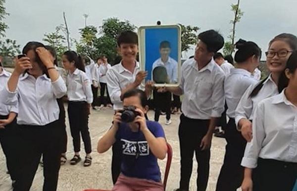 """Xóa tan lo lắng khi chụp ảnh thẻ với bí kíp """"bá đạo"""" của học sinh Nam Định"""