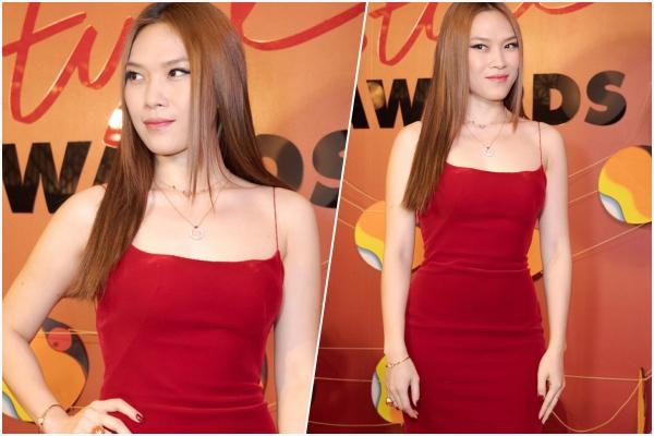 """Fan xuýt xoa thấy """"chị đẹp"""" Mỹ Tâm mặc váy đỏ quá hot, nhưng nhìn kĩ mắt chị hình như sai sai"""
