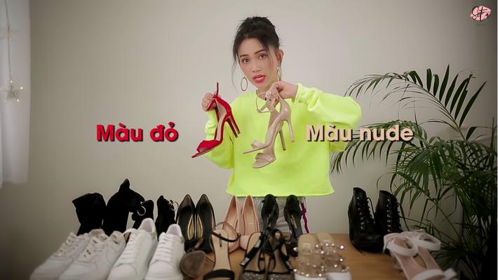 """Sau túi, Sĩ Thanh tiếp tục tư vấn giày hiệu nhưng dân tình chỉ nghi ngờ: Có lại """"fake"""" nữa không vậy?"""