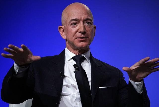 Top 10 tỷ phú giàu nhất hành tinh: Mark Zuckerberg trở lại Top 5