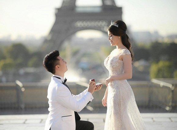 Nữ giảng viên xinh đẹp khoe thiệp cưới lung linh, tiết lộ lý do kết hôn với tình mới chỉ sau 1 năm chia tay Hà Duy
