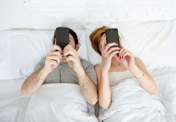 """Một nghiên cứu chỉ ra cặp đôi nào càng đăng công khai nhiều ảnh càng dễ... """"đứt"""""""