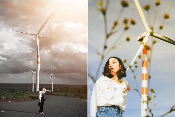 Check-in tọa độ mới toe: Cánh đồng quạt gió đẹp ngỡ trời Tây ở Đắk Lắk