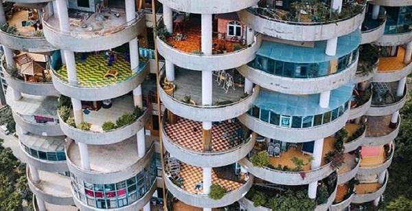 """""""Chu du"""" ngay chung cư với kiến trúc siêu độc đáo ngỡ thiên đường mặt đất"""