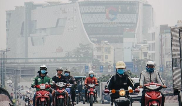 Ô nhiễm không khí ở TP HCM: Bụi mịn PM 10, PM 2.5 gia tăng từ 1,9 - 2,2 lần