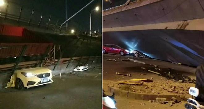 Cầu vượt cao tốc sập trong tích tắc, đè bẹp 3 chiếc xe ô tô