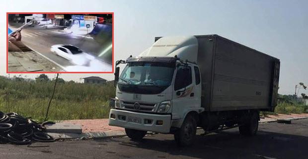 HOT: Nghi vấn chiếc ô tô con dẫn đường cho xe tải đổ dầu thải tại nhà máy nước Sông Đà