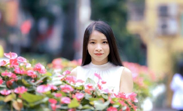 Cô gái Tày làm giám đốc khoa tại trường đại học Anh kết hôn ở tuổi 33, lấy chồng 2 quốc tịch