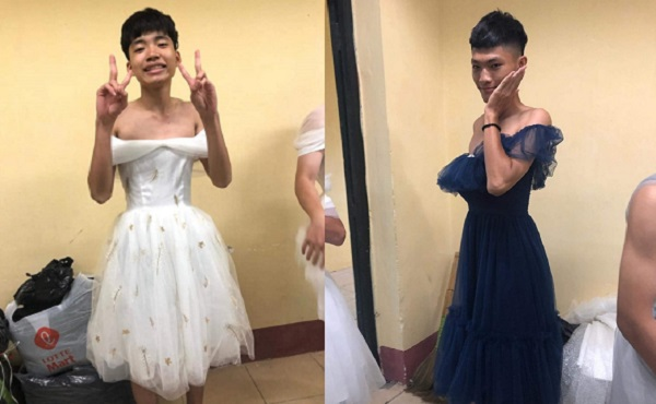 """Hội """"nam thần"""" lớp """"người ta"""" tranh nhau mặc váy dạ hội của các bạn nữ để chụp ảnh làm kỷ niệm"""