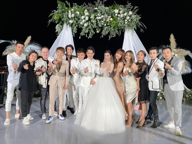 """Chuyện đi ăn cưới phải mặc chuẩn dress code, loạt khách mời của Đông Nhi - Ông Cao Thắng """"chật vật"""" vì lí do không ngờ"""