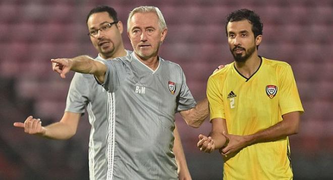Chê Việt Nam thiếu sân tập sang chảnh, UAE đến Thái Lan tập luyện cho trận làm khách ở Mỹ Đình
