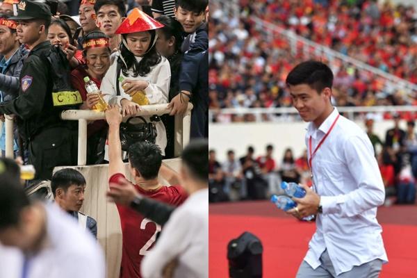 Có thể bạn chưa biết, sau mỗi trận đấu, dù kiệt sức Duy Mạnh vẫn chạy quanh khán đài để tìm và đưa nước cho bạn gái