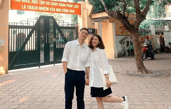 Làm vlog về trường cũ, bố mẹ trẻ Kiên Hoàng - Heo Mi Nhon diện đồng phục học sinh siêu dễ thương