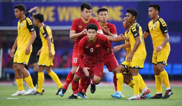 Giúp đội thắng đậm Brunei, Đức Chinh trở thành người đầu tiên lập hattrick dưới thời HLV Park Hang-seo