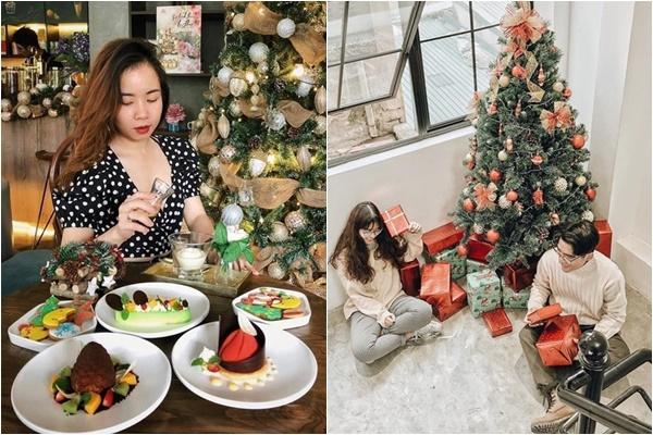 """Điểm danh 10 quán cà phê Hà Nội đã """"lên concept"""" Giáng Sinh cực lung linh, ấm áp"""