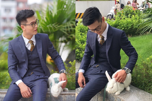 """Mang """"boss"""" thỏ đi chụp kỷ yếu, nam sinh gây sốt và được phát hiện là """"nhân vật quyền lực"""" trường NEU"""
