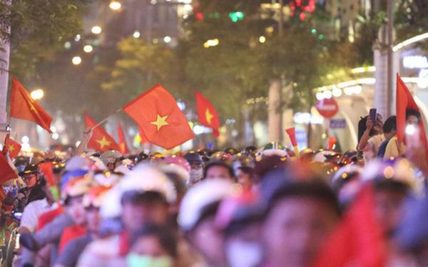 TP HCM cấm phương tiện lưu thông vào trung tâm để người dân cổ vũ U22 Việt Nam
