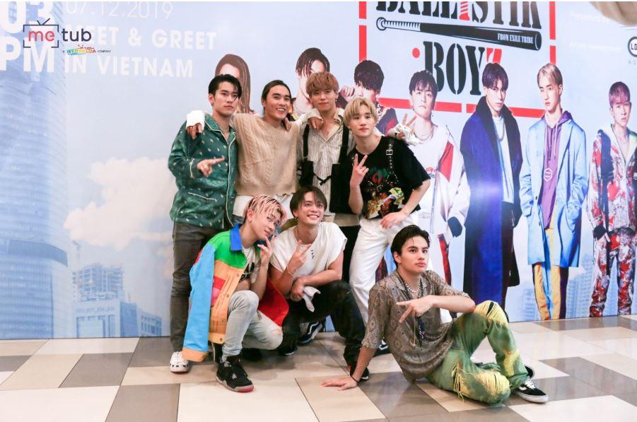 """Fans Việt vây kín sự kiện, hào hứng giao lưu cùng nhóm nhạc Nhật Bản """"Ballistik Boyz"""""""