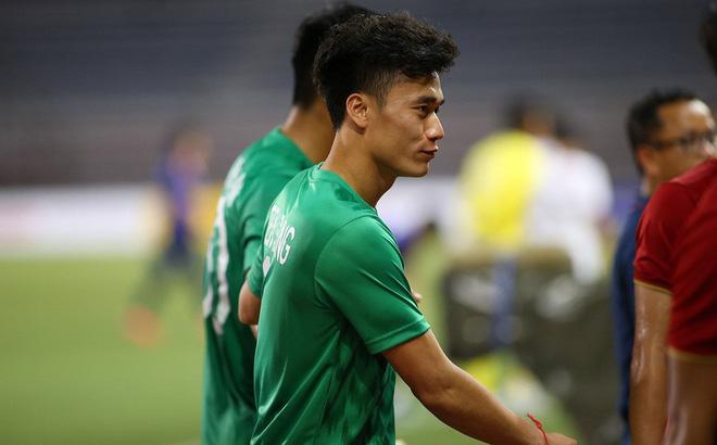 Dự bị quá nhiều, thủ môn Bùi Tiến Dũng chia tay CLB Hà Nội để cứu vãn sự nghiệp