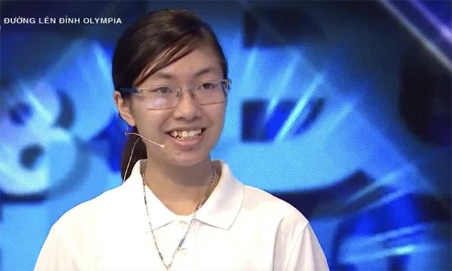 """""""Kỷ lục gia"""" Đường lên đỉnh Olympia năm thứ 20 trở thành nữ sinh đầu tiên thi chung kết sau 8 năm"""