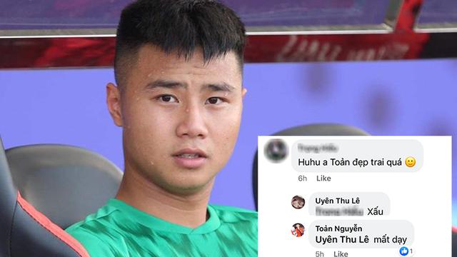 """Văn Toản dửng dưng đăng status đầu tiên nhưng không quên đong đưa """"tiểu tam"""" sau scandal lăng nhăng"""